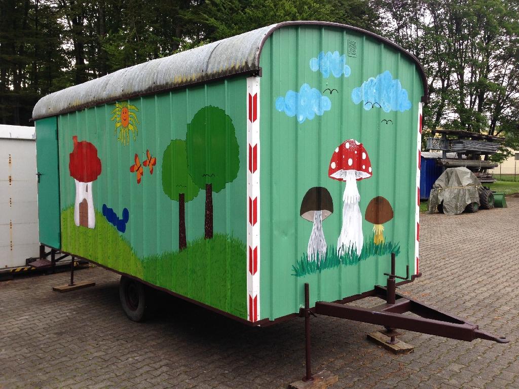 thw ov m nsingen bauwagen kindergarten. Black Bedroom Furniture Sets. Home Design Ideas